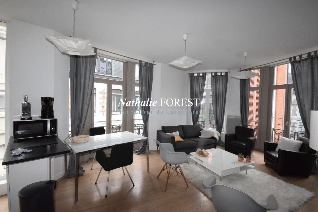 LILLE CENTRE! Splendide type 3 de 60m² hab entièrement meublé à 2 pas de la Grand Place