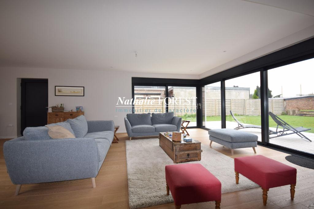 LAMBERSART! LOCATION MEUBLEE!  Magnifique Maison cubique de 350m²  hab environ sur un terrain de 800m² environ