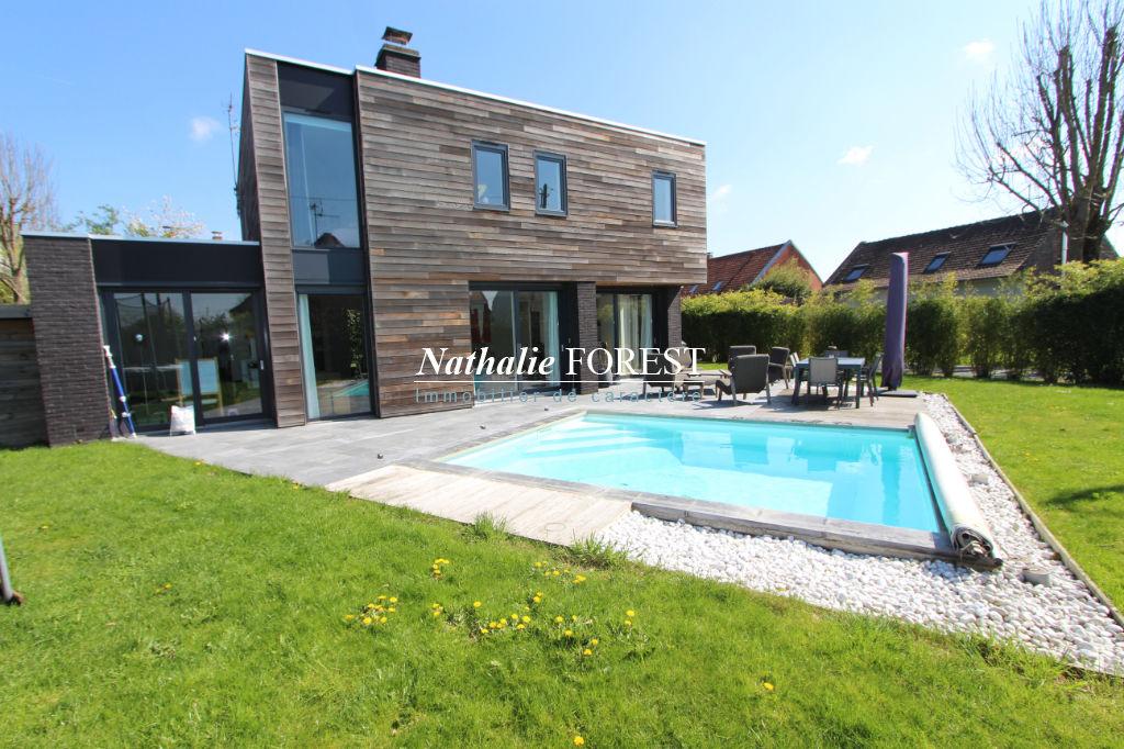HEM, Maison Cubique (BBC) avec piscine, (3ch+bureau) sur une parcelle arborée de 896m2 au calme !