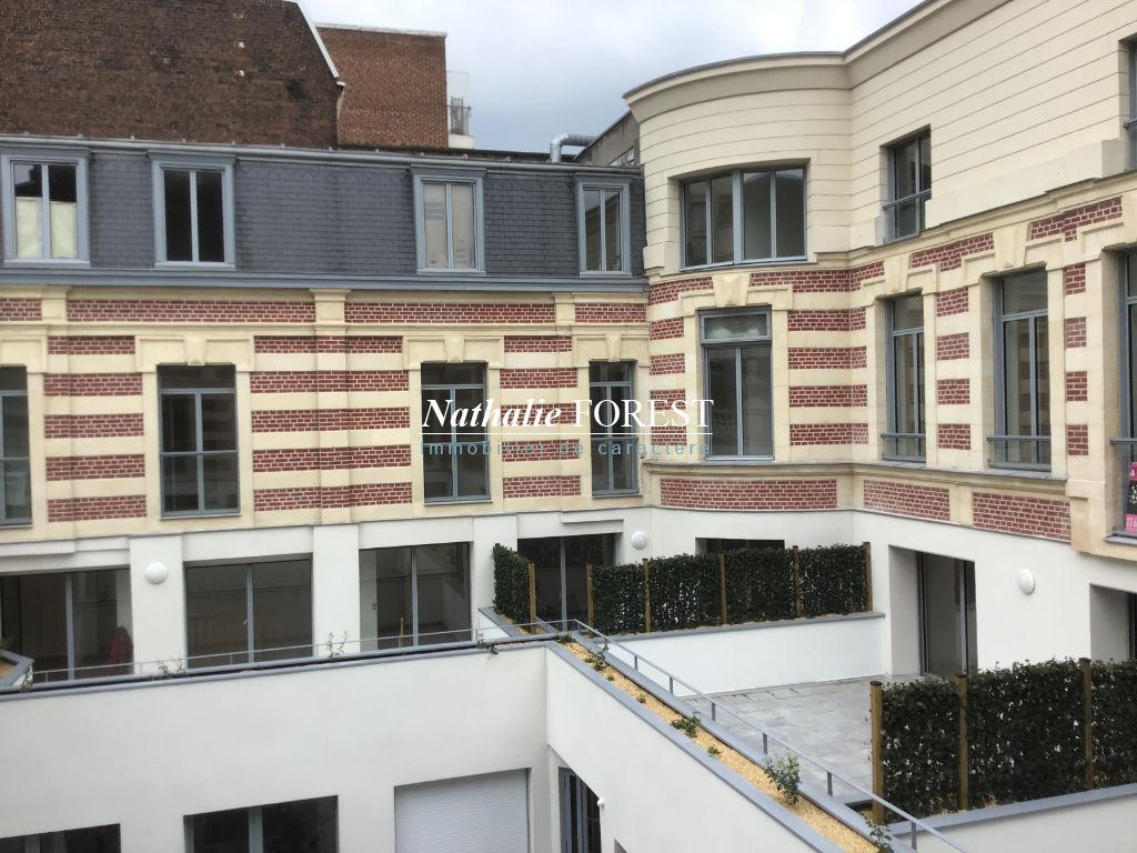 EXCLUSIVITE - Hypercentre République, Appartement T4 en dernier étage, Terrasse, cave et Parking