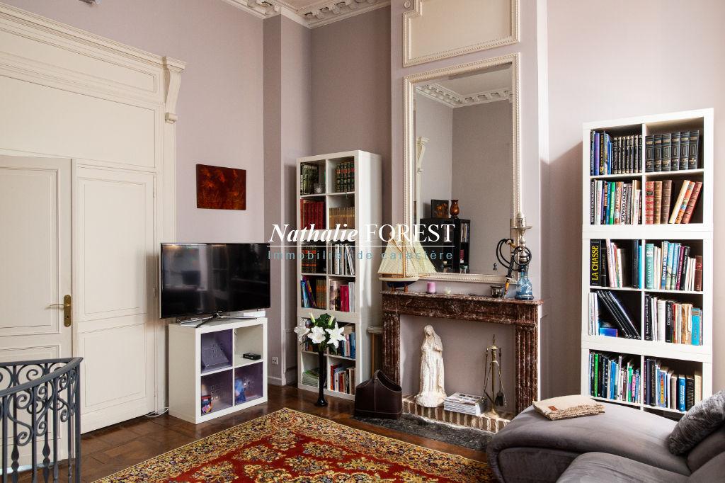 Exclusivité ! Vieux Lille Esquermoise Appartement  7 pièce(s) 296M2 avec jardin privatif 60M2