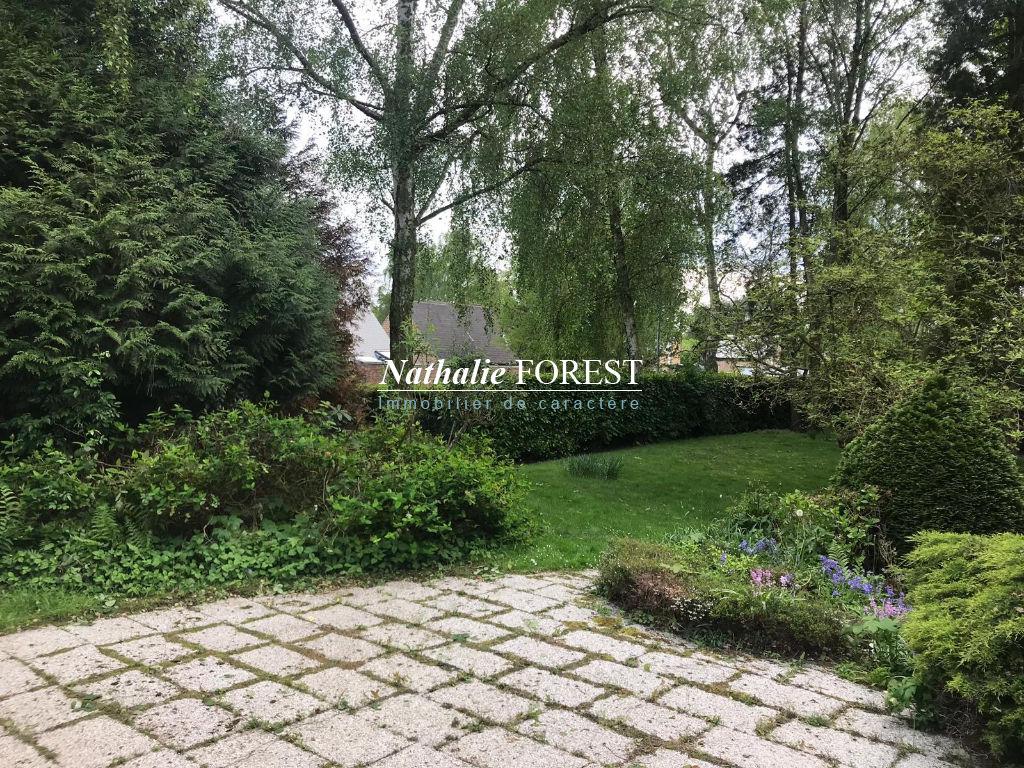Exclusif , Villeneuve d'Ascq , Brigode , villa des années 1971 à réhabiliter sur 1523 m2 de terrain