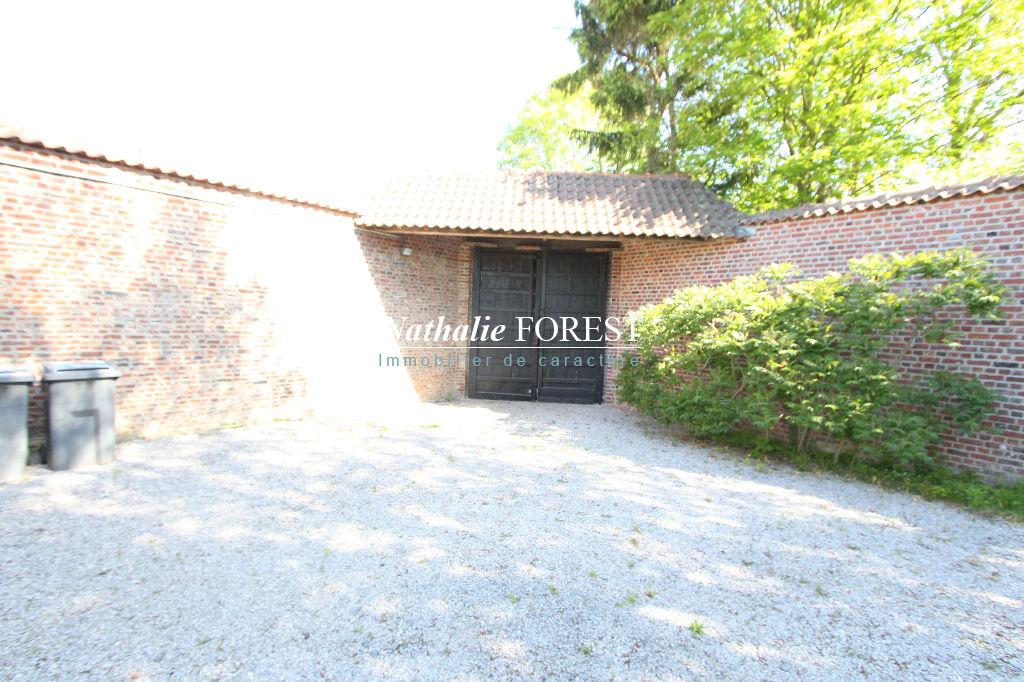 MÉLANTOIS (Villeneuve d'ascq)- Ravissante Fermette (4ch) entièrement restaurée au sein d'un jardin boisé de grands arbres et à deux pas du Métro 4 cantons