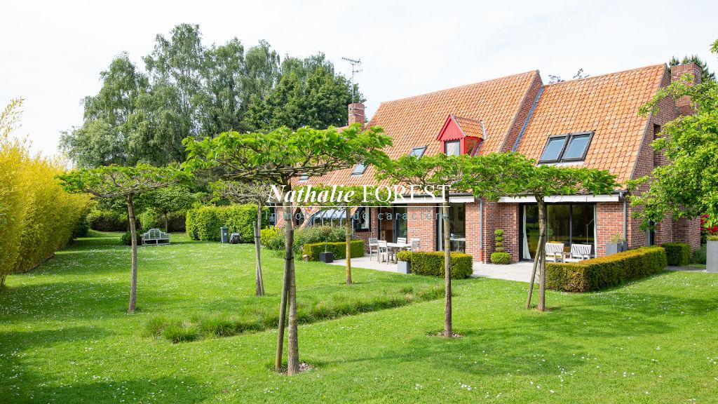 Co-Exclusivité  .Marcq-en-Baroeul , école internationale , ravissante maison d'architecte , 4 chambres sur 1970 m2 de terrain