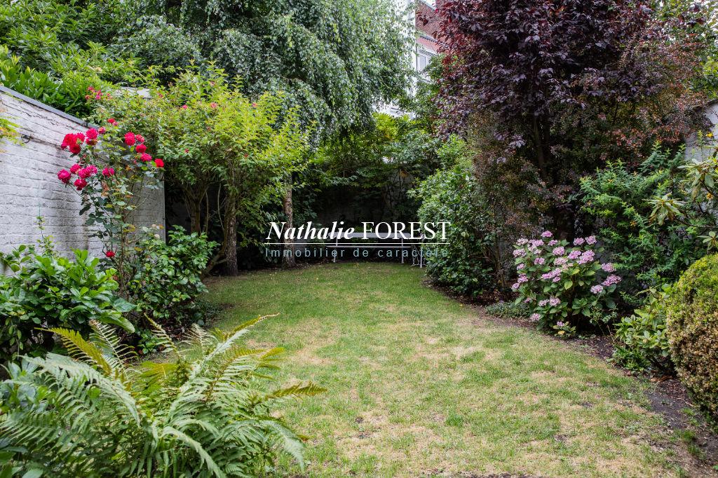 Lille St Michel - Maison Bourgeoise fin XIX ème, 5 chambres, joli jardin