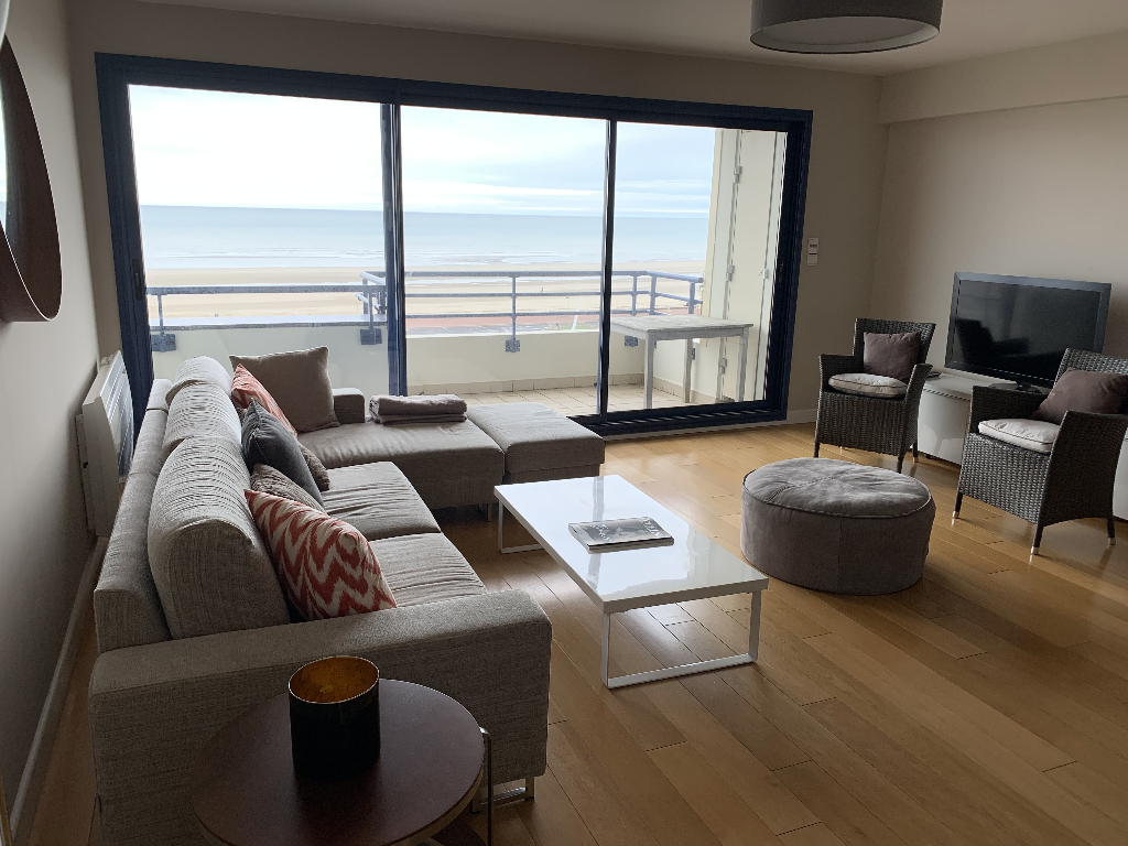 LOCATION Appartement T3 Front de mer avec balcon