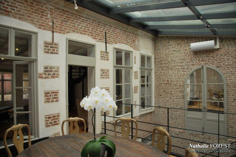 photo de RARE AU COEUR DU VIEUX LILLE MAISON 18ème Entièrement rénovée8 pièce(s) 295 m2